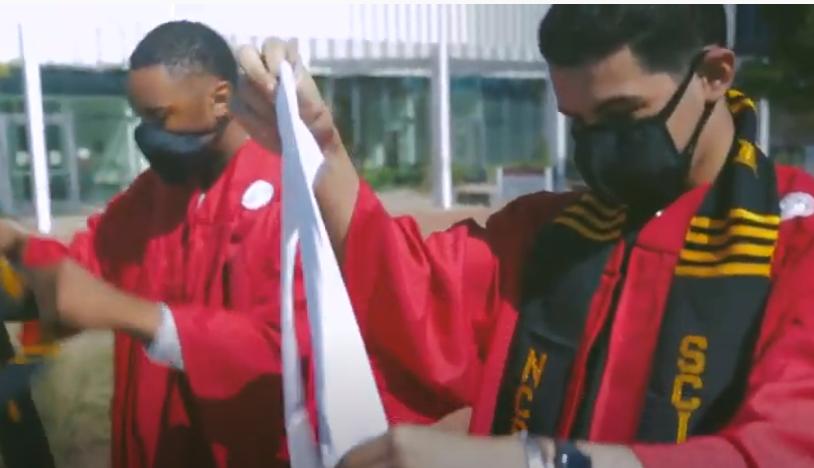 BioSci 2021 Graduate and his best friend and fellow graduate Grabriel